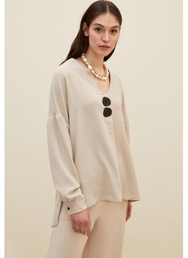DeFacto Oversize Fit Düğme Detaylı Uzun Kollu Bluz Bej